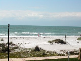 vacation rental beach view pic